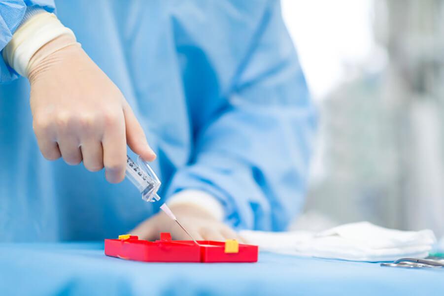 کارکنان بهداشتی درمانی یکی از گروههای در معرض خطر آلودگی به HIV