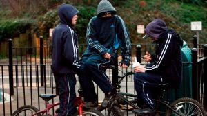رفتار ضد اجتماعی از اعلائم اعتیاد در نوجوانان
